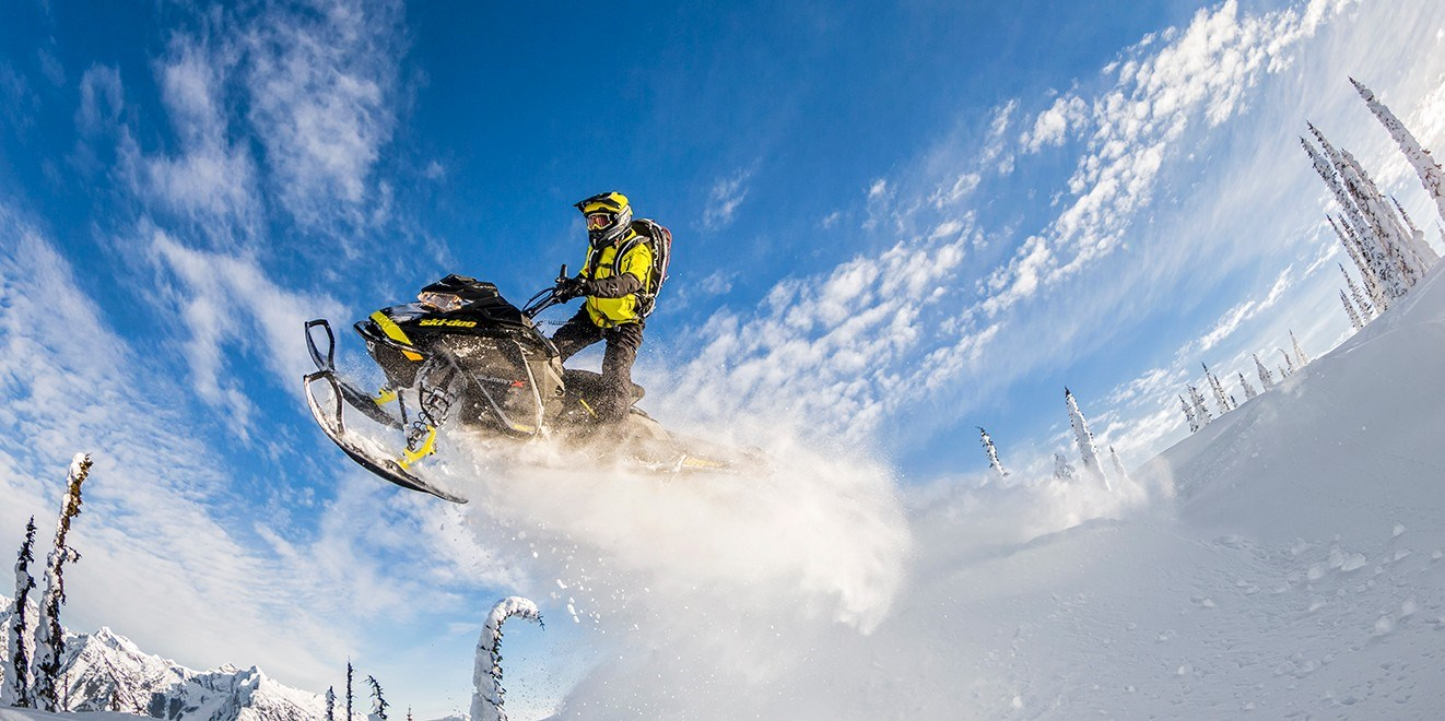 SNOWMOBILE TOUR 4 DAY